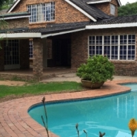 Luxurious Student accommodation in Midrand walking distance from MGI,Pearson, VC Varsity College