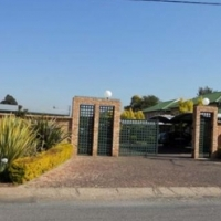 17 LOODRECHT 1 BEDROOM APARTMENT FOR R 4 700 IN RIETFONTEIN