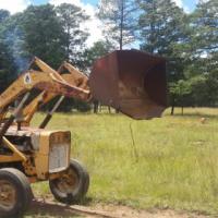 Tractor frontloader international