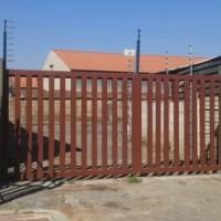 MINI FACTORY 220 M2 TO LET BOKSBURG R11500