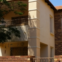 2 Bed, 1 Bath, LUG in Papillon, very well positioned in Equestria, Pretoria East