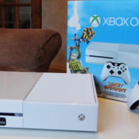 Xbox one S 1TB White with 1 controller
