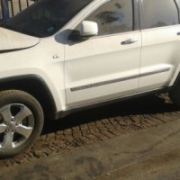 WK2 Jeep Grand Cherokee Stripping