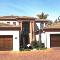 Stylish Luxurious 4 Bedroom Cluster upmarket Estate