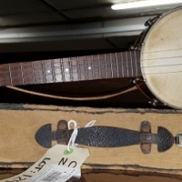Original GIBSON 1920 Banjo ukulele with case