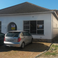 HOUSE IN BELLVILLE FOR SALE WITH BUSINESS RIGHTS / USE AS OFFICES