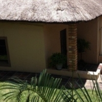 Fully furnished One Bedroom Cottage – Capital Park (Moot)