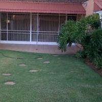 3 Bedroom Duplex garden flat in small neat quiet complex in Valhalla