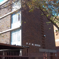 One and a half bedroom flat for sale in Kempton Park Central