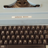 Electronic Typewriter - Antares 8500C - in working order - in original carry case