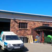 STREETFRONT 600sqm WORKSHOP with offices, paved yard, diesel facility to let!! VERY NEAT!!