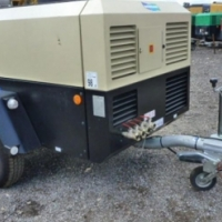 250 cfm Doosan model dual pressure Air Compressor 7 bar with a max 8.9 bar