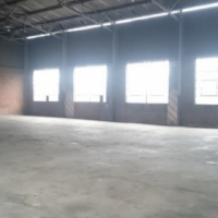 HIGH ROOF 950 sqm HIGH INDUSTRIAL warehouse to let - IDEAL ENGINEERING/MANUFACTURING