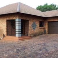 4 Bedroom House in Sonneveld