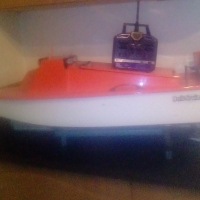 Second hand Bait boat with remote