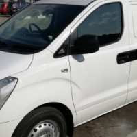 2014 Hyundai H1 (finance available)