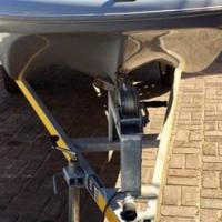 N splintenuwe boot met n 25 hp Suzuki 4 stroke engine