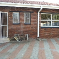 Townhouse to let near CBD