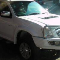 SUZU KB300 D-TEQ LX E/CAB 4X4 P/U S/C