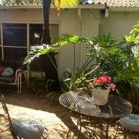 Furnished garden cottage for commuter in boomed area in Menlo Park