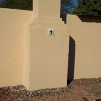 NEWLY RENOVATED 2 bedroom flat with braai area, very neat on smallholding TO LET