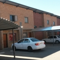 Pretoria North. Duplex to let. Newly Build, 2 bed 1 bath, Modern Kitchen,Carport