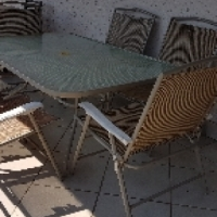 Beautiful 6 seater patio set R 2250