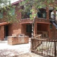 Leeupoort  Dubbel verdieping gemeubileerdehuis te huur op lang termyn naby Koedoeskop Limpopo