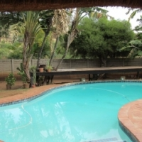 3 Bedroom 2 Bathrooms sitting room, Dining room, TV Room, Lapa, kitchen and swimming pool