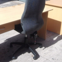OFFICE DESKS WITH CHAIR