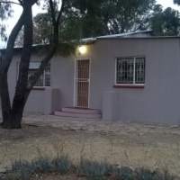 HOUSE TO LET in Walkerville enclosed area