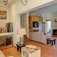 Spacious 4 Bedroom Home In Heatherlands