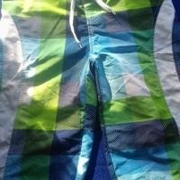 Seuns gekleurde swem broek