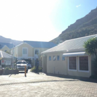 This newly renovated 2 Bedroom Apartment in Milnerton
