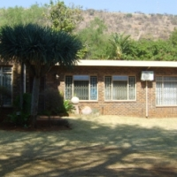 Wonderboom House- 5beds - soo deliciously spacious with pool- inside has everything you want! R1,84m