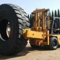 13.5 ton Komatsu Tyrehandler