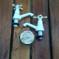 Badkamerstel bad en Wasbak krane