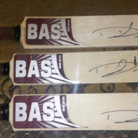 *DAVID MILLER signed mini bats