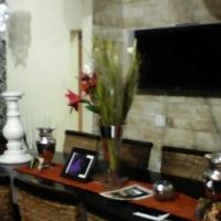 Amandelrug  Huge 4 bedroom home with Granny Flat