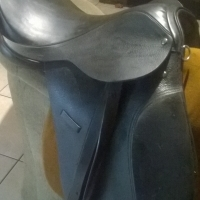 "almost brand new 17"" saddle"