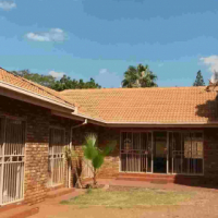 Doornpoort. Pretoria. Spacious, sunny, 4 bed, 2 bath family home with swimming pool on 1,000m2 stand