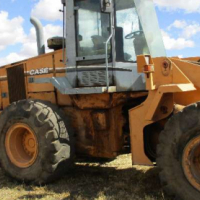 Loaders Case 821 C