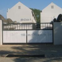 Pretoria North. Studio / duplex apartment for sale for the modern, professional person.