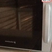 Kelvinator Microwave Oven