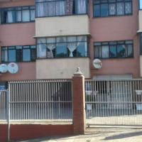 flat 2,5bedroom, 1kitchen, 1toilet, 1diningroom.....