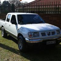 Nissan Hardbody 3.2 D/C Diesel - 2000 Model.