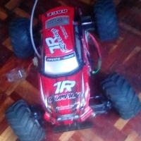 Battery operated 4WD car