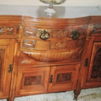 Beautiful antique Bow-front sideboard