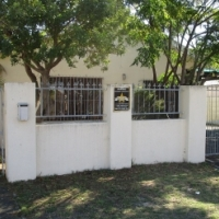 4 bedroom home in sought after Crawford