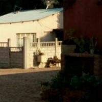 2 beroom garden flat